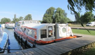 Alphacraft 42 - Bewitched - 6 Berth Inland Cruiser