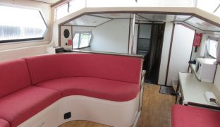 Connoisseur - Teal - 8 Berth Inland Cruiser