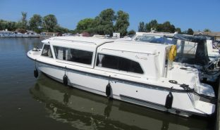 Starlight 770 - Go West - 2 Berth Inland Cruiser