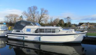 Ocean 30 - Kay Em - 5 Berth Inland Cruiser