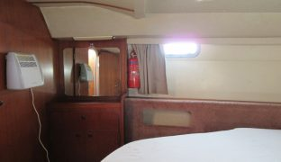 Morning Swan - 5 Berth Motor Boat