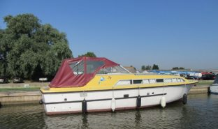 Aquafibre 32 - Jay - 5 Berth Inland Cruiser