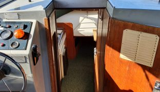 Bounty 27 - Glittering Waters - 2 Berth Inland Cruiser
