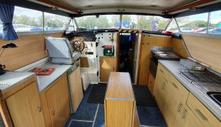Seamaster - Sea Breeze - 6 Berth Sedan Style Cruiser