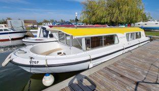 Bermuda 34 - Sunflower - 3 Berth Inland Cruiser