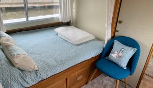 Bermuda 34 - Sunflower - 3 Berth Inland Cruiser