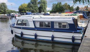 Hampton Safari - Little Gem - 4 Berth Inland Cruiser