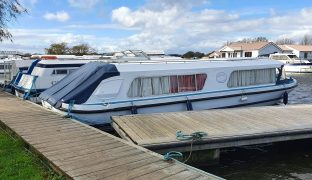 Bermuda 34 - Broadland Lass - 2 Berth Inland Cruiser