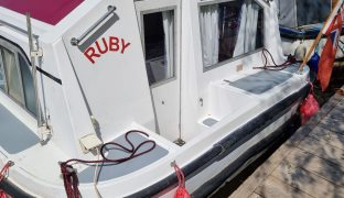 Alpha 32 - Ruby - 5 Berth Inland Cruiser