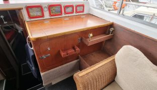 Aquafibre 45 Ideal - Magnifique - 7 Berth Inland Cruiser