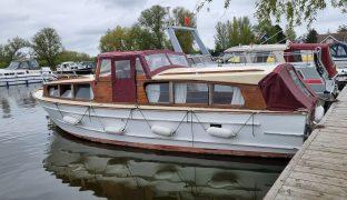 Summercraft 30 - Mistle Thrush - 4 Berth Wooden Cruiser