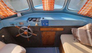 Hampton Mk2 -Flumpy - 4 Berth Inland Cruiser