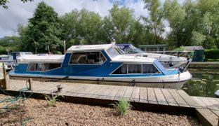 Alphacraft 35 - Social Distance  - 5 Berth Inland Cruiser