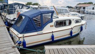 Freeman 22 - New Dawn - 4 Berth Inland Cruiser