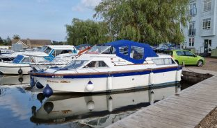 Seamaster 8m - Ocean Blue  - Inland Cruiser