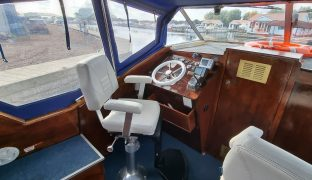 Seamaster 8m - Ocean Blue  - 4 Berth Inland Cruiser