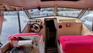 Bounty Sedan 27 - La Concha - 4 Berth Inland Cruiser