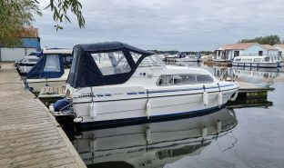 Viking 22 Broad Beam - South Easter - 4 Berth Inland Cruiser
